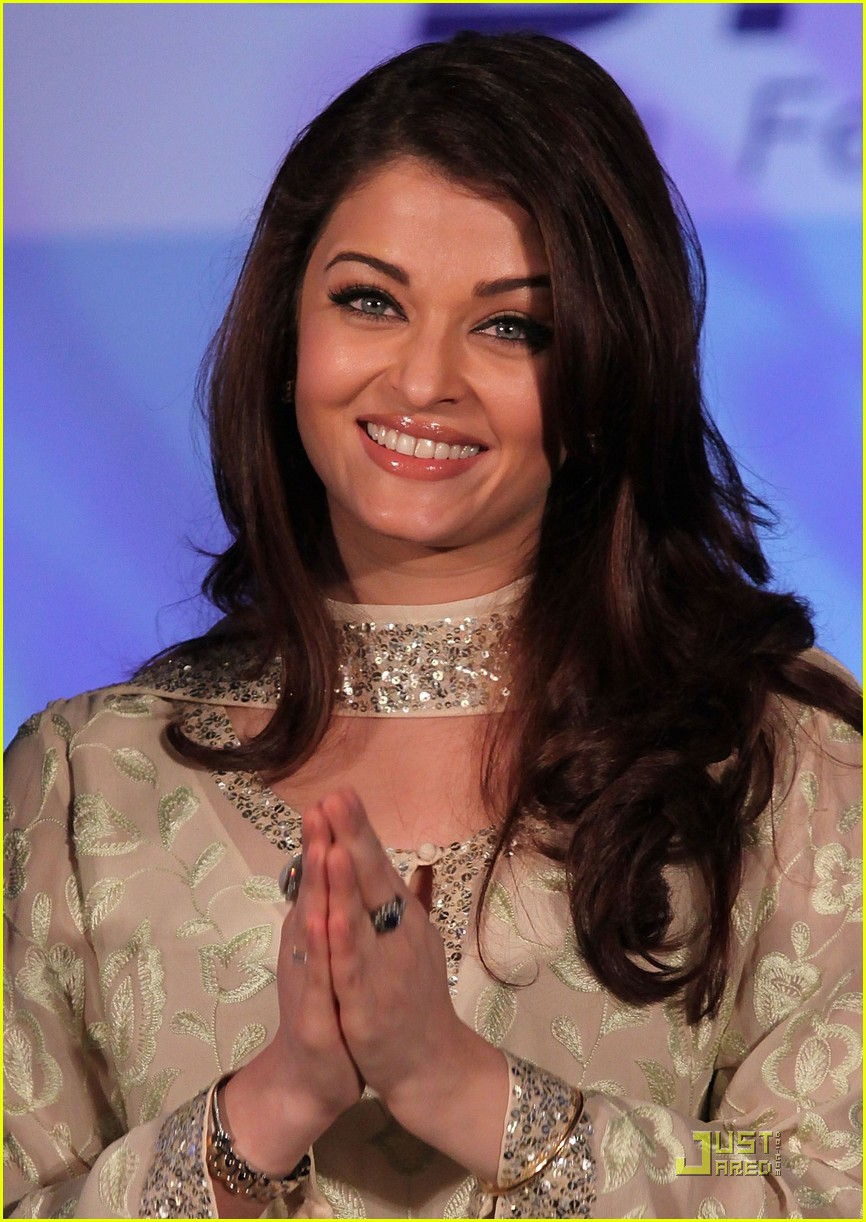 aishwarya rai womens drive awards 2011 06
