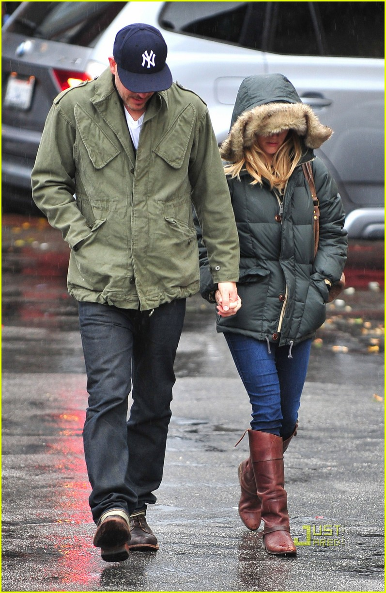 reese witherspoon jim toth church rainy day 022528988