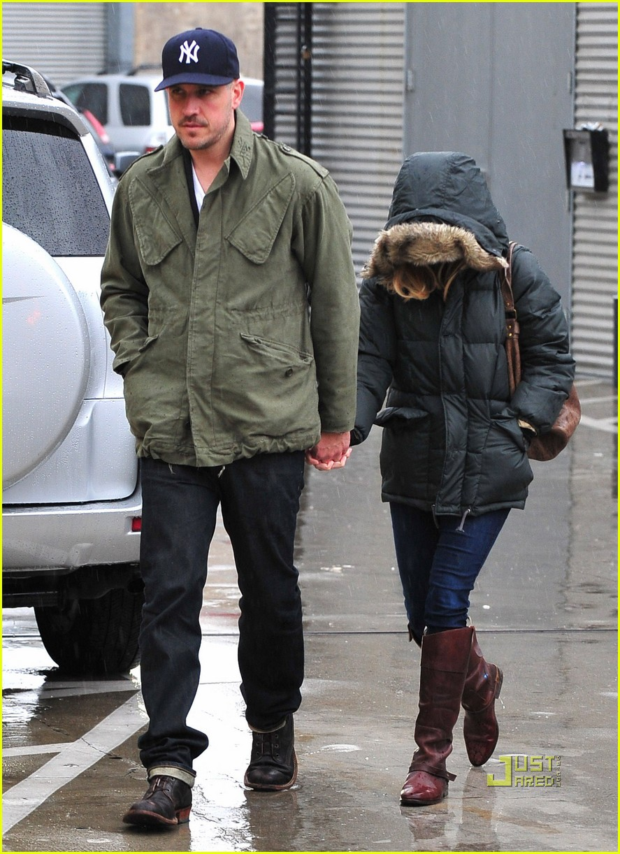 reese witherspoon jim toth church rainy day 052528991