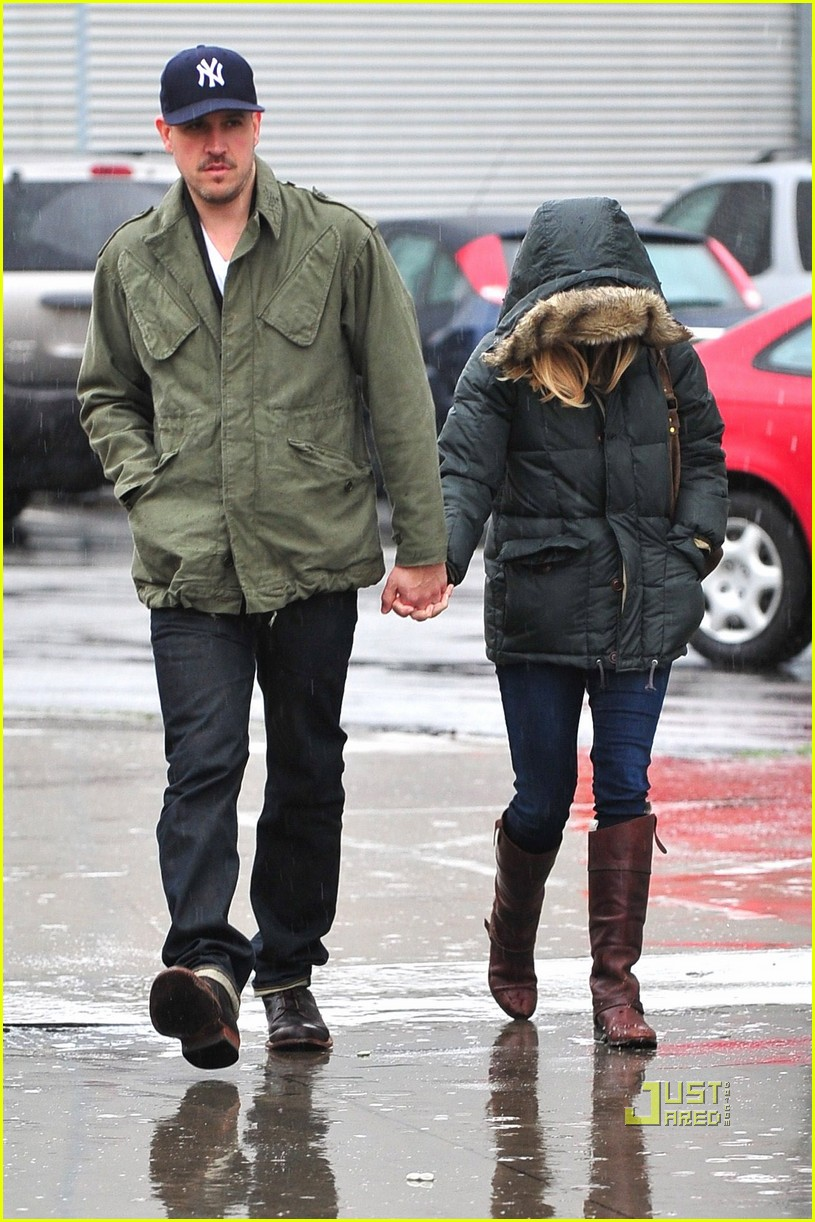 reese witherspoon jim toth church rainy day 062528992