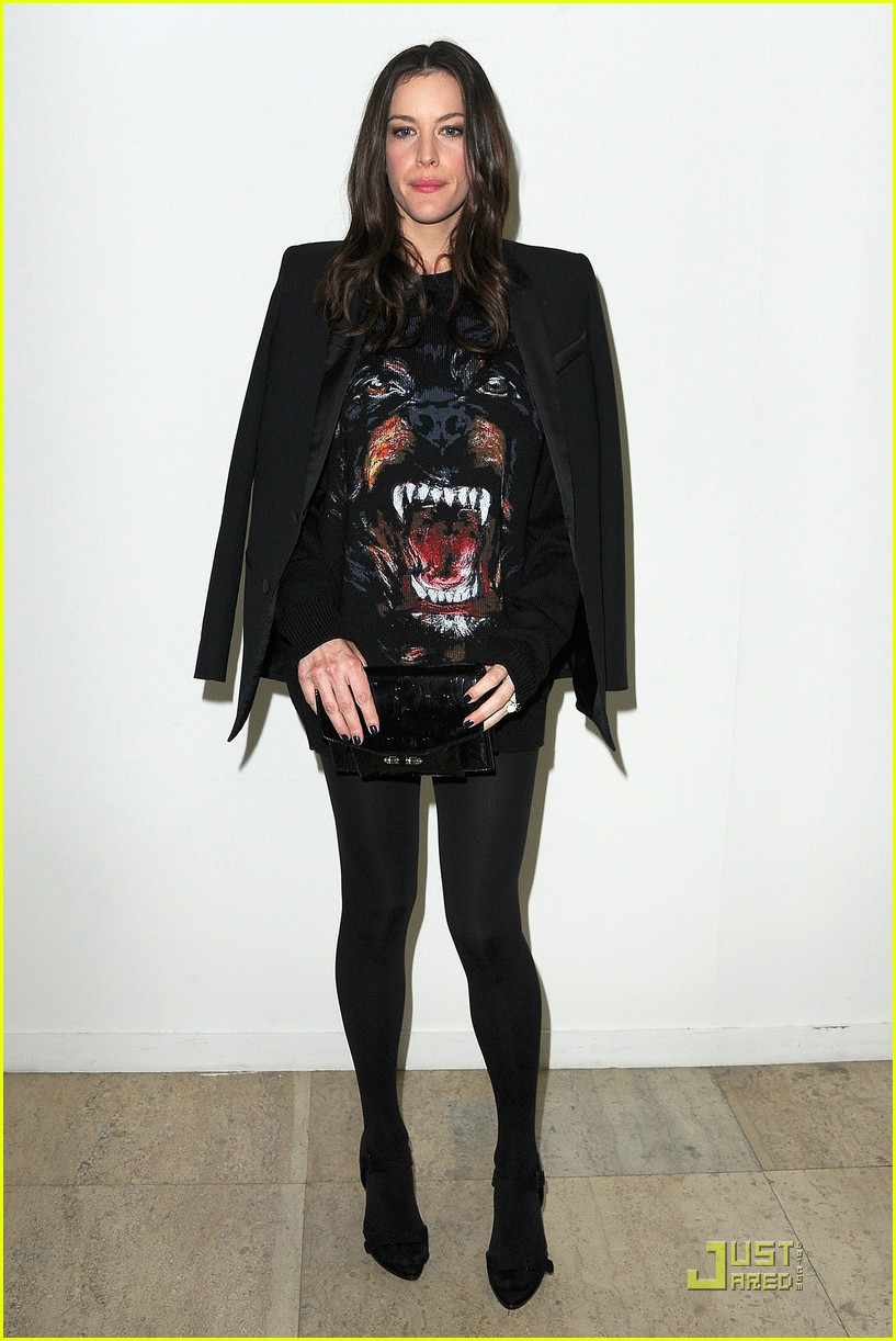 nicole richie liv tyler givenchy gals 032525640