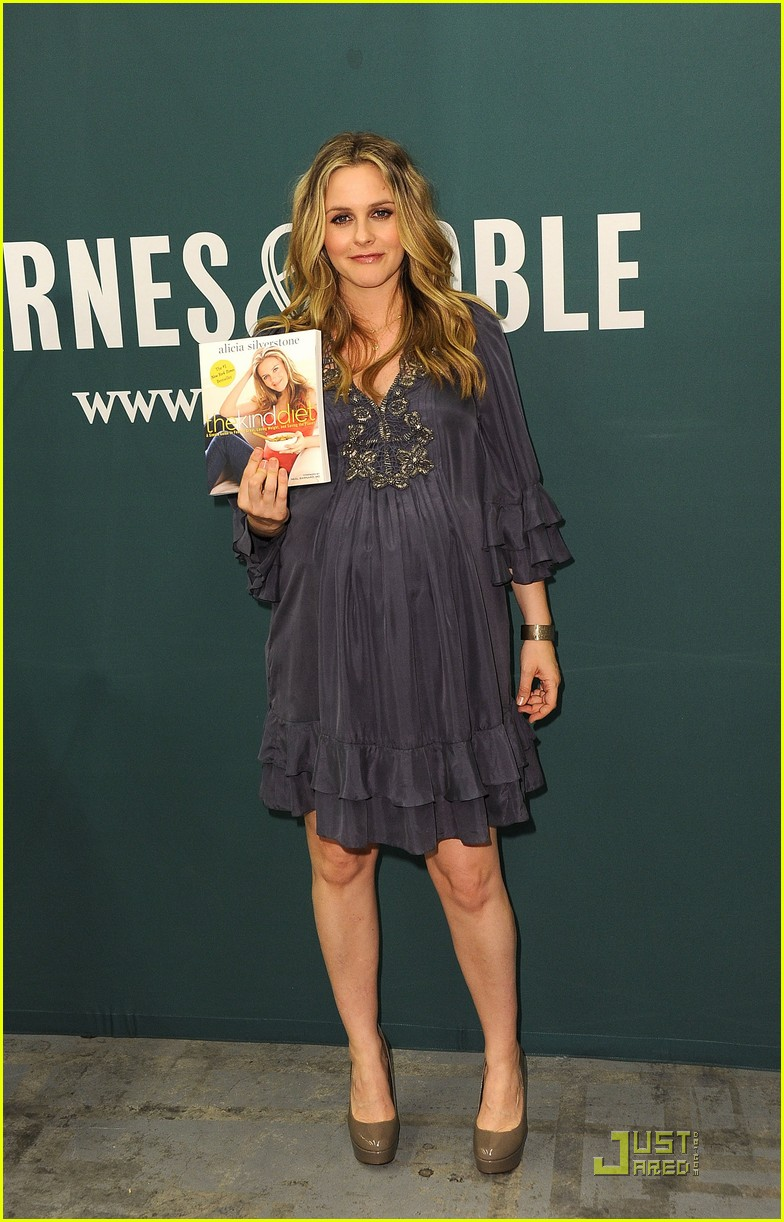 alicia silverstone kind diet book signing 10