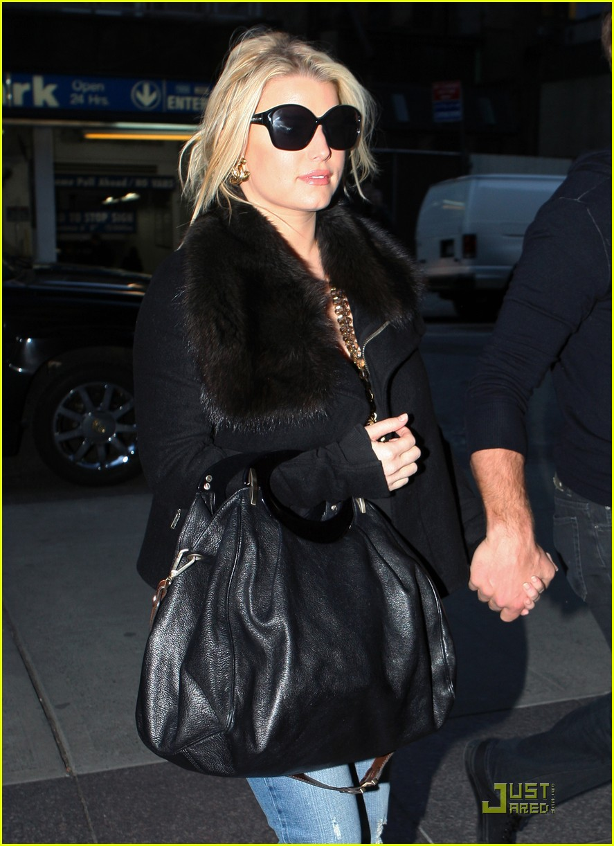 jessica simpson admired by snooki 022525030