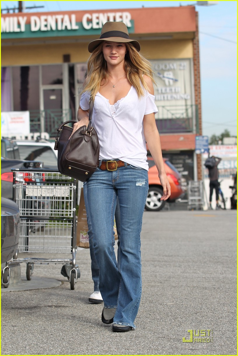 rosie huntington whiteley whole foods 092524363