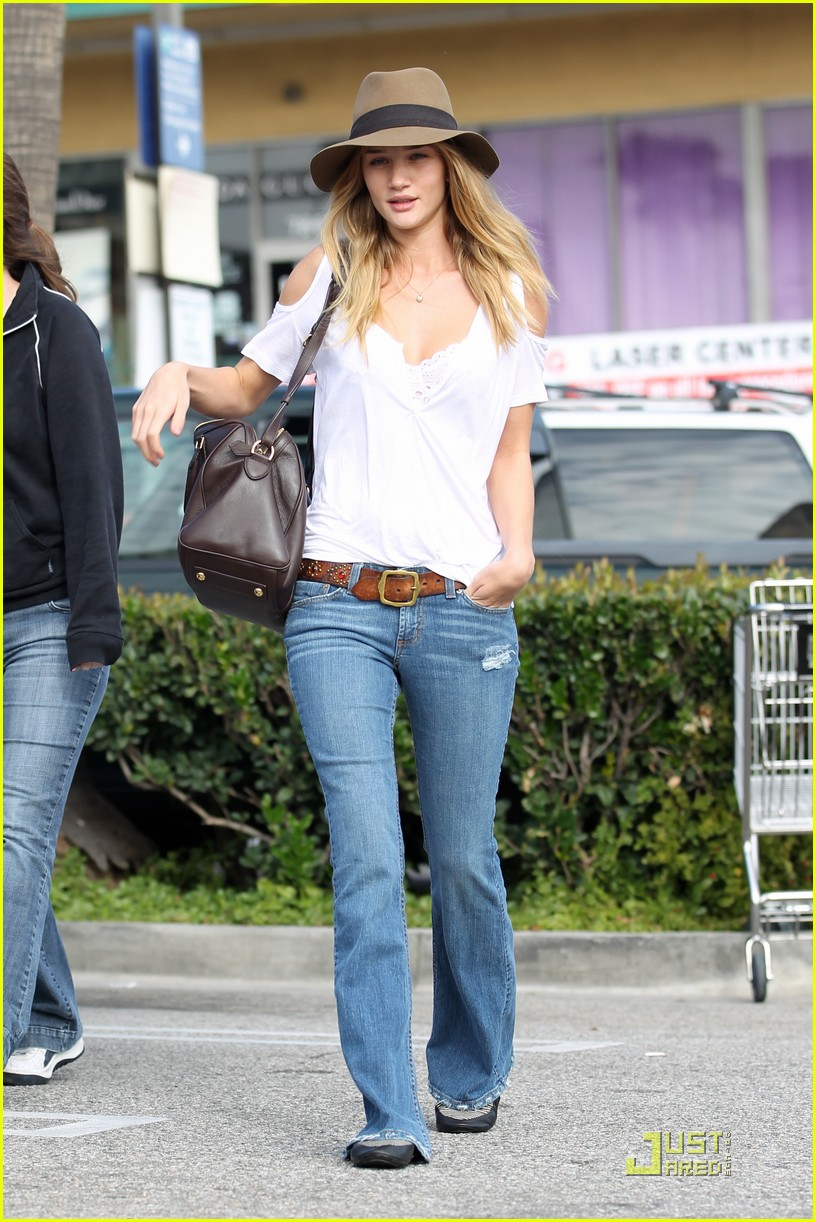 rosie huntington whiteley whole foods 102524364