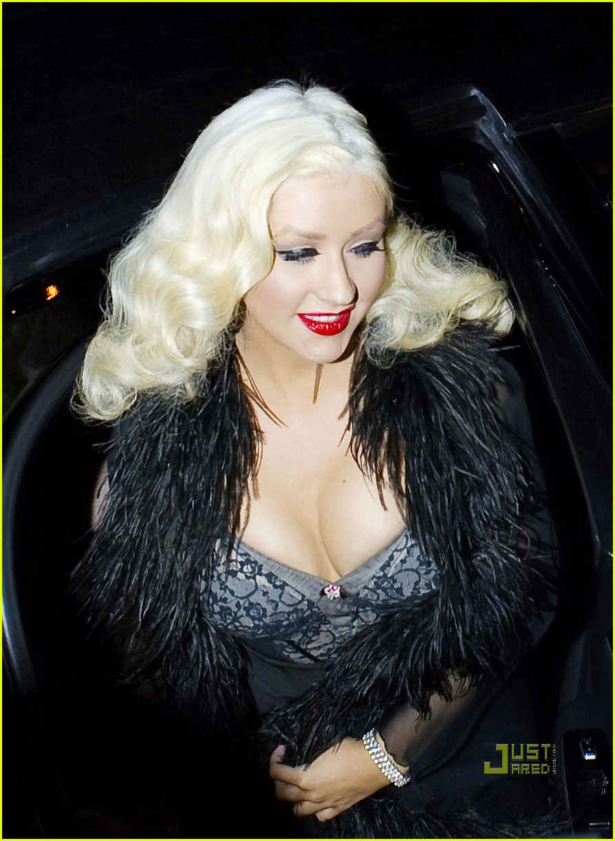 christina aguilera abbey anniversary 03
