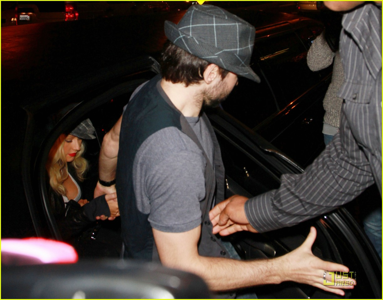 christina aguilera linda perry concert with matthew rutler 062537344