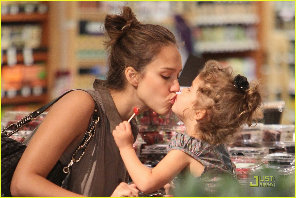 jessica alba shopping day with honor 012537779