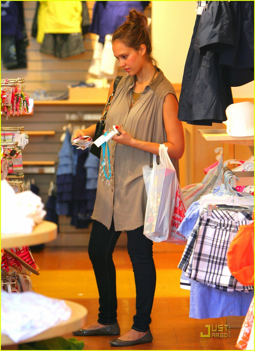 jessica alba shopping day with honor 072537785