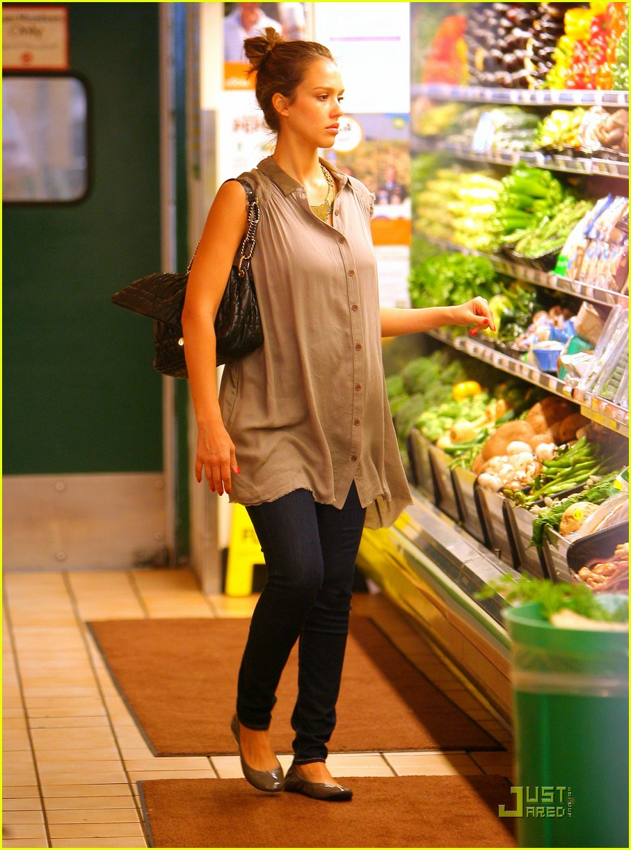 jessica alba shopping day with honor 102537788