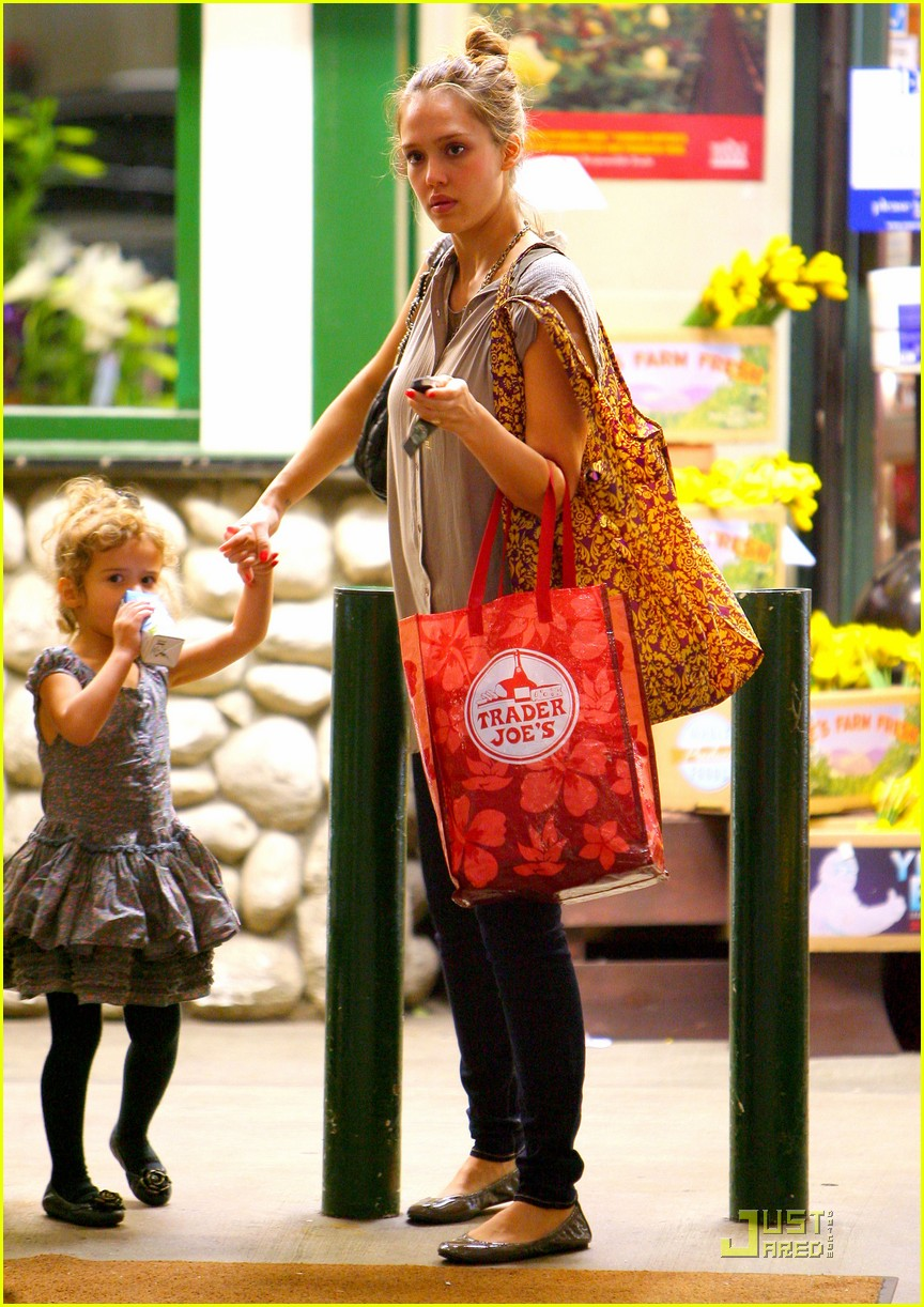 jessica alba shopping day with honor 122537790