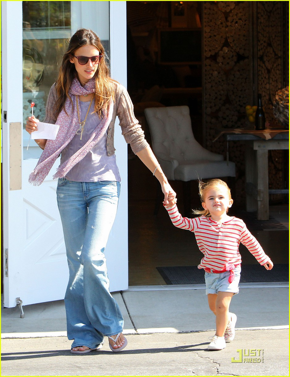alessandra ambrosio brentwood country mart with anja 032537233