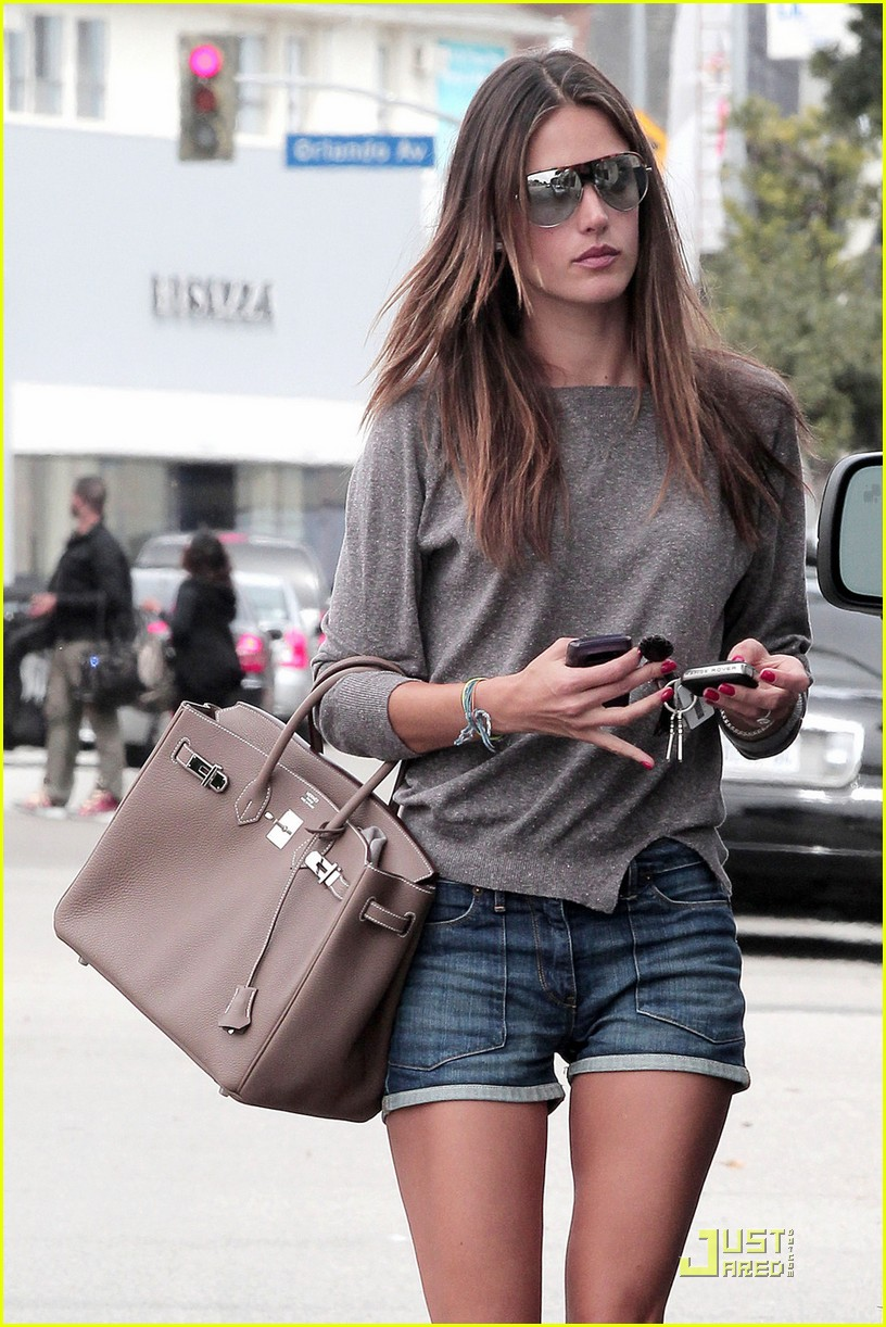 alessandra ambrosio lunch at the ivy 042533731