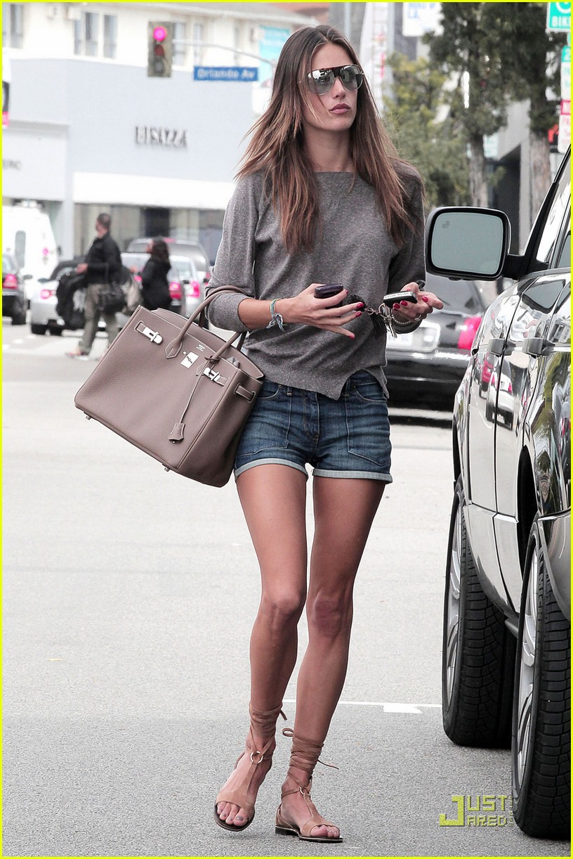 alessandra ambrosio lunch at the ivy 052533732