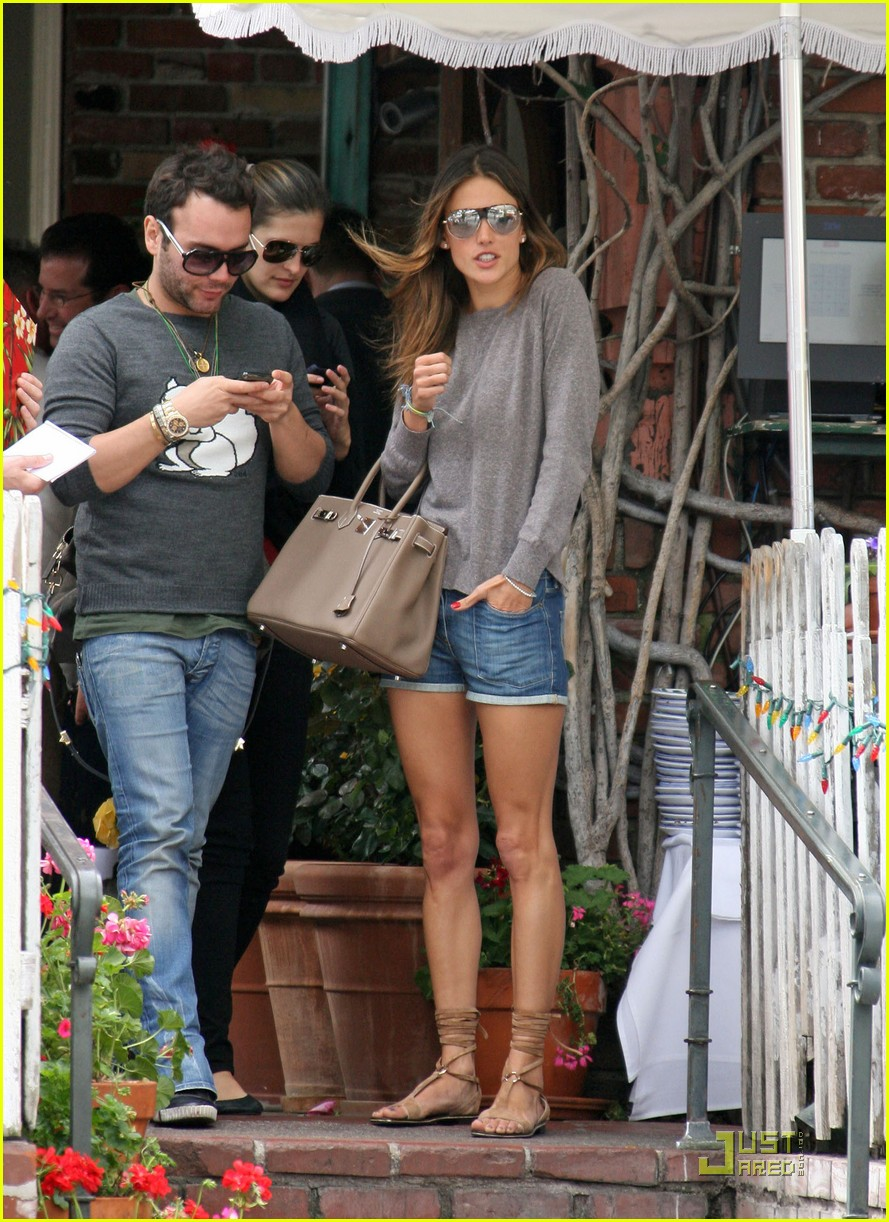 alessandra ambrosio lunch at the ivy 082533735