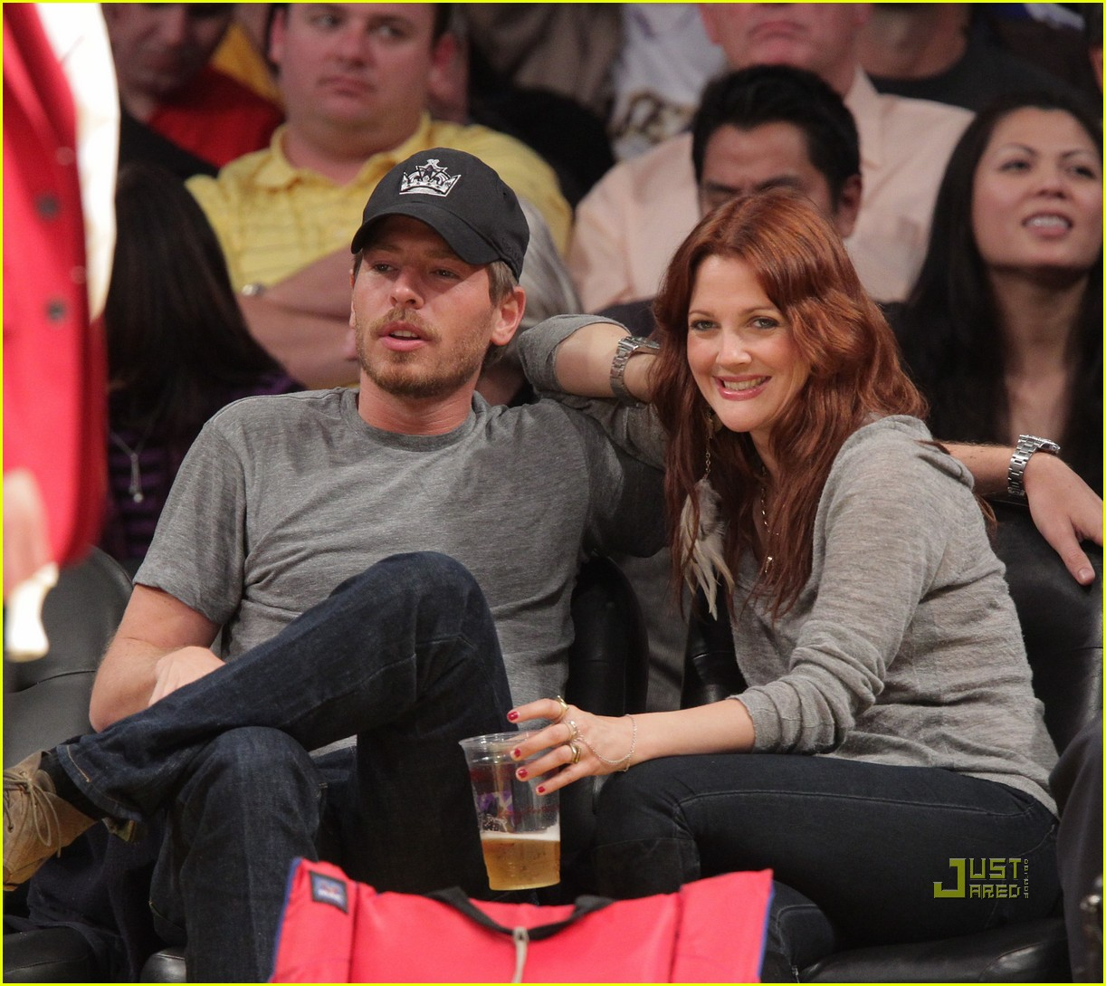 drew barrymore will kopelman lakers game courtside kiss 062537126