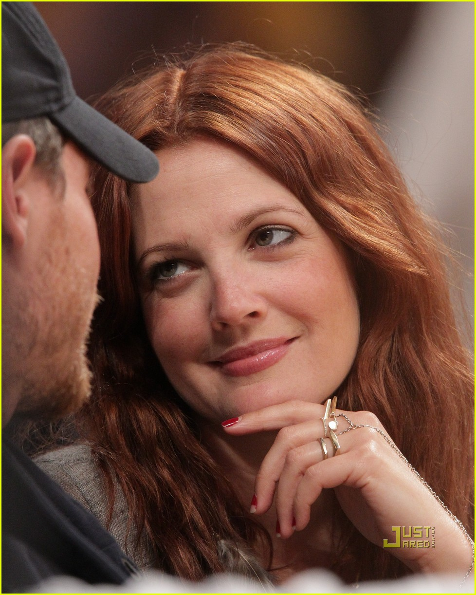 drew barrymore will kopelman lakers game courtside kiss 07