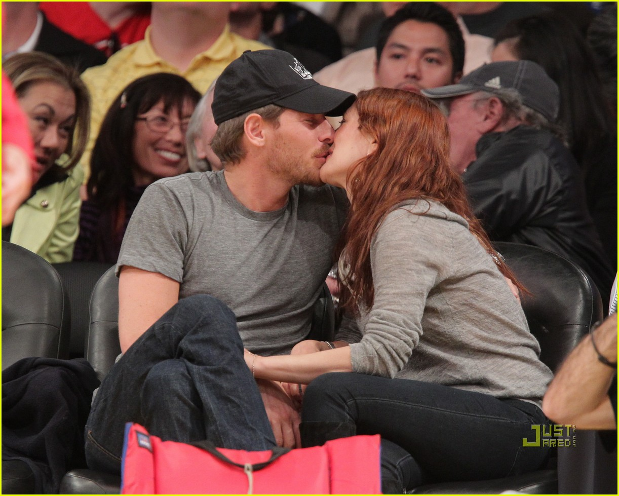 drew barrymore will kopelman lakers game courtside kiss 112537131