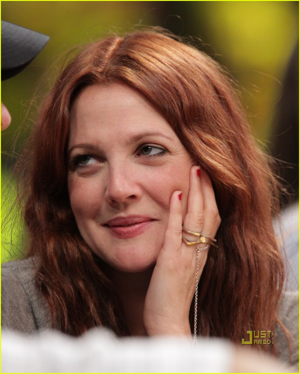 drew barrymore will kopelman lakers game courtside kiss 122537132