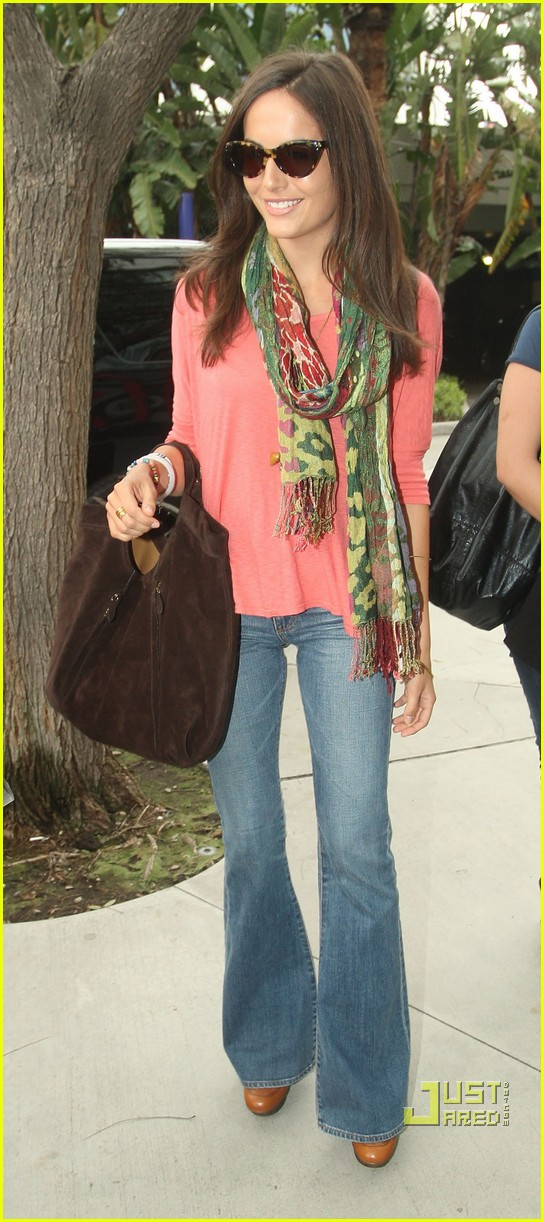camilla belle lakers lover 012532708