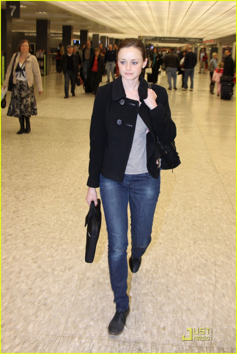 alexis bledel washington dc arrival 022534305