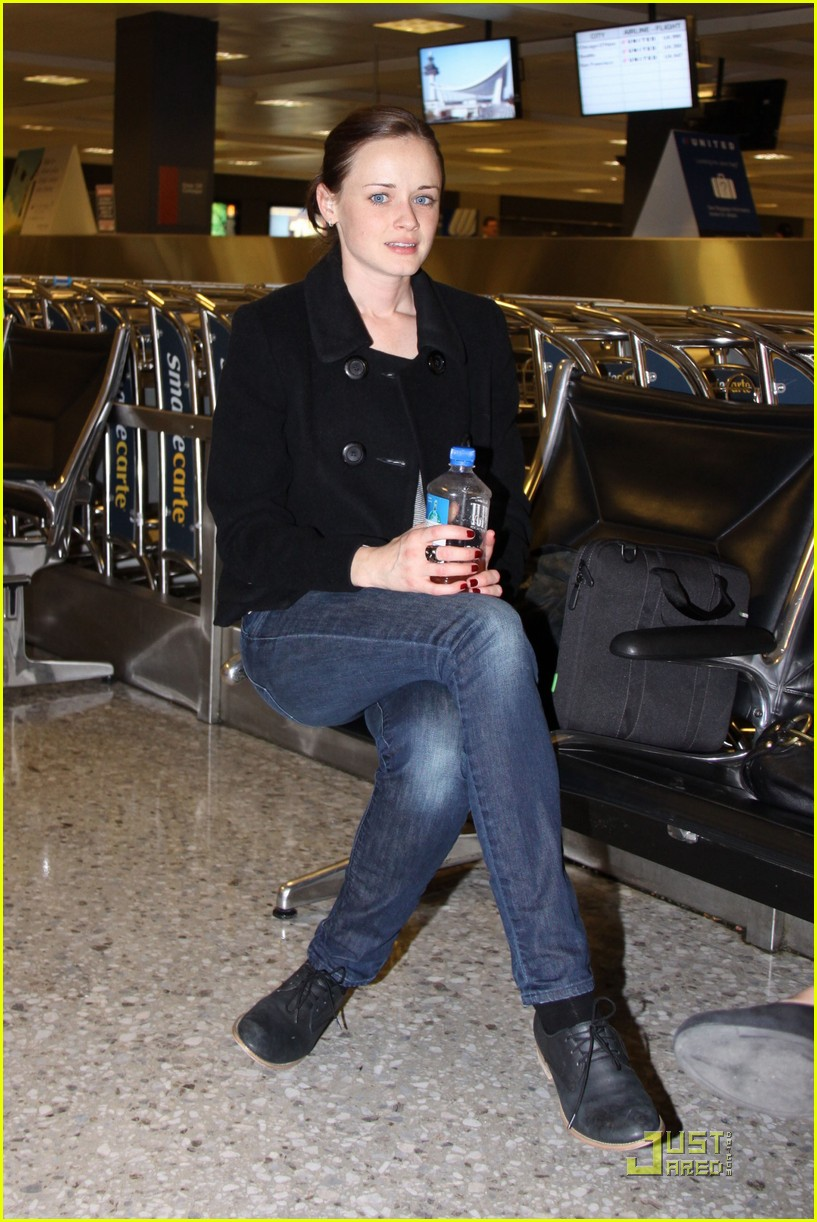 alexis bledel washington dc arrival 072534310