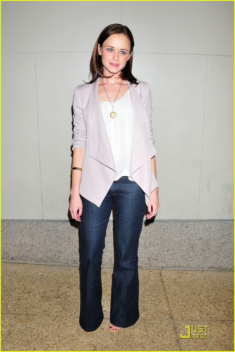 alexis bledel visits the seven 022534847