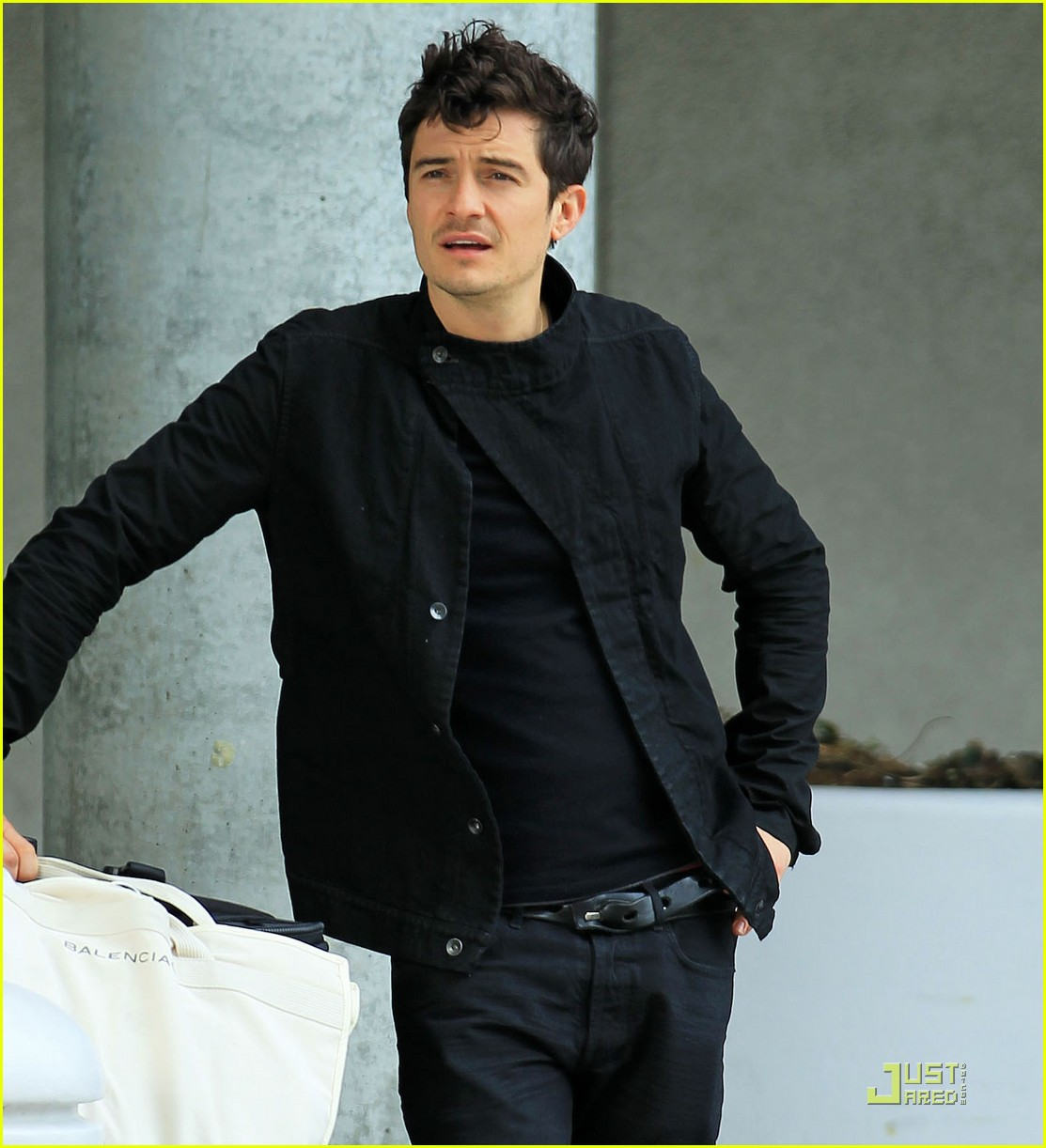 orlando bloom waiting car 022539358