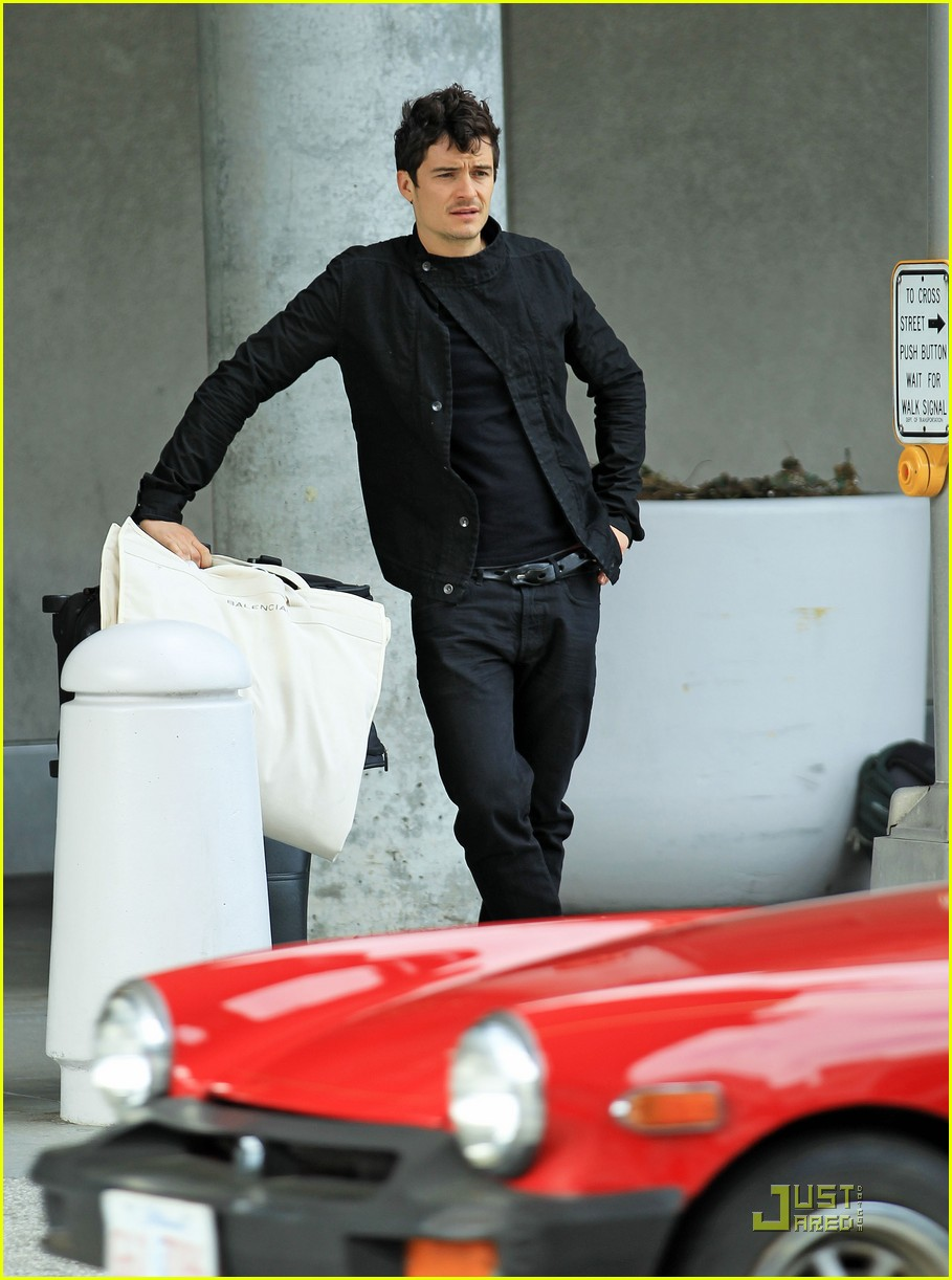orlando bloom waiting car 052539361