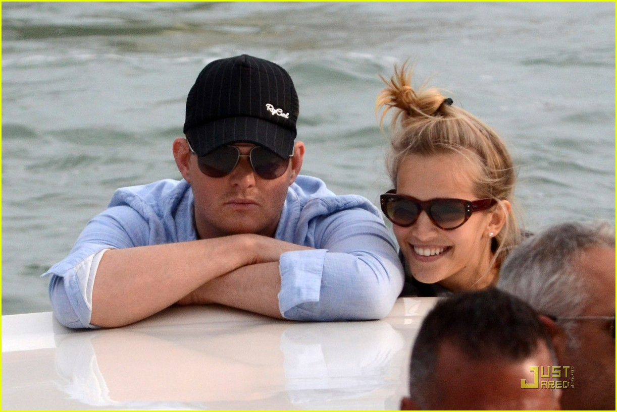 michael buble luisana lopilato venice vacation 022538001