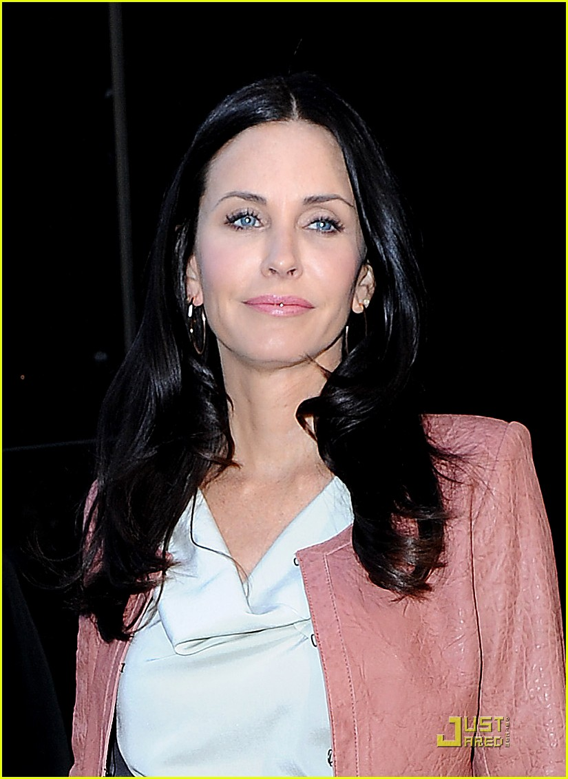 courteney cox busy in nyc 022535625