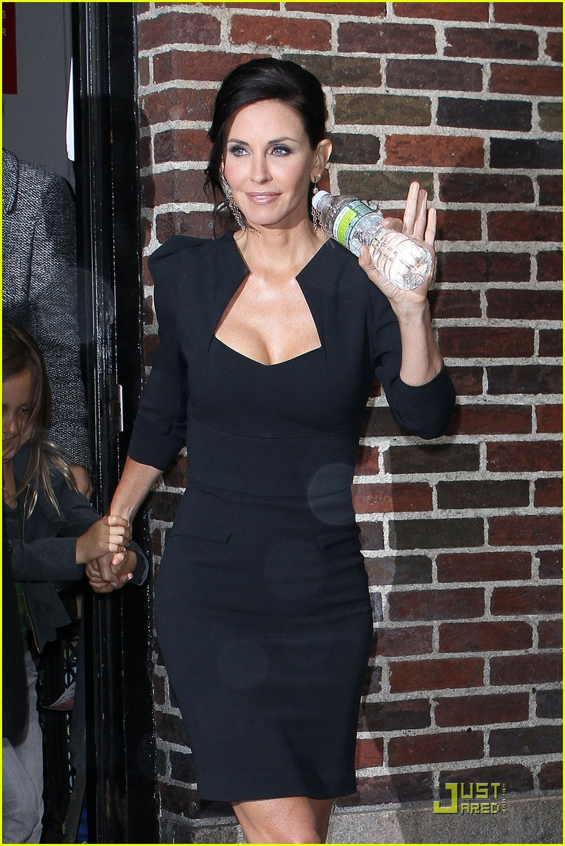 courteney cox busy in nyc 032535626