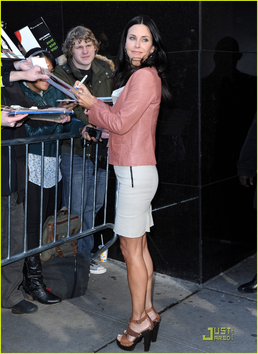 courteney cox busy in nyc 062535629