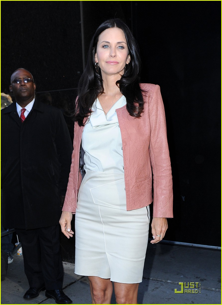 courteney cox busy in nyc 072535630