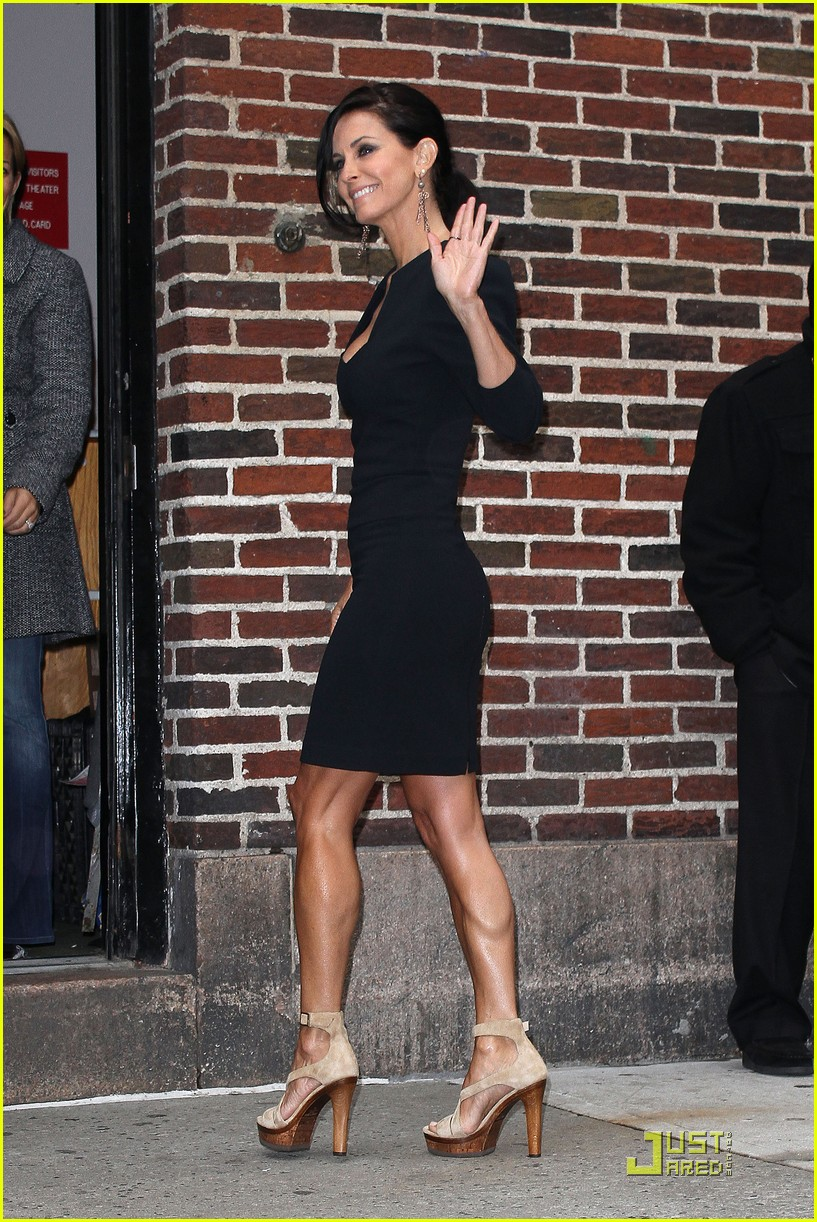 courteney cox busy in nyc 102535633