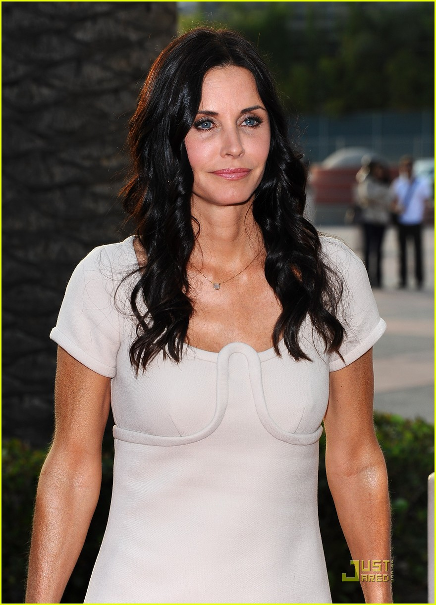 courteney cox cougar academymytext102537050