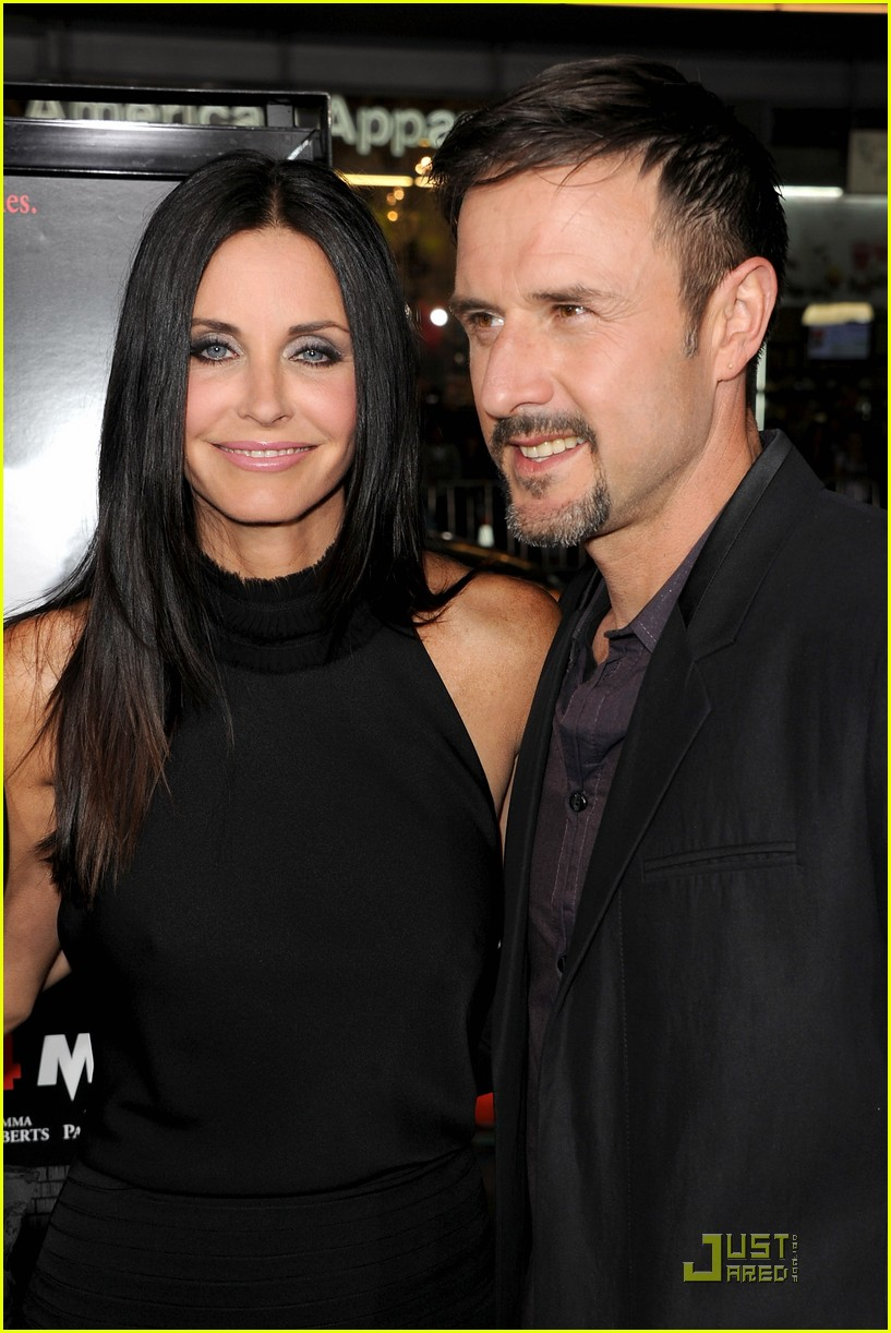 courteney cox david arquette neve campbell scream 4 premiere 07