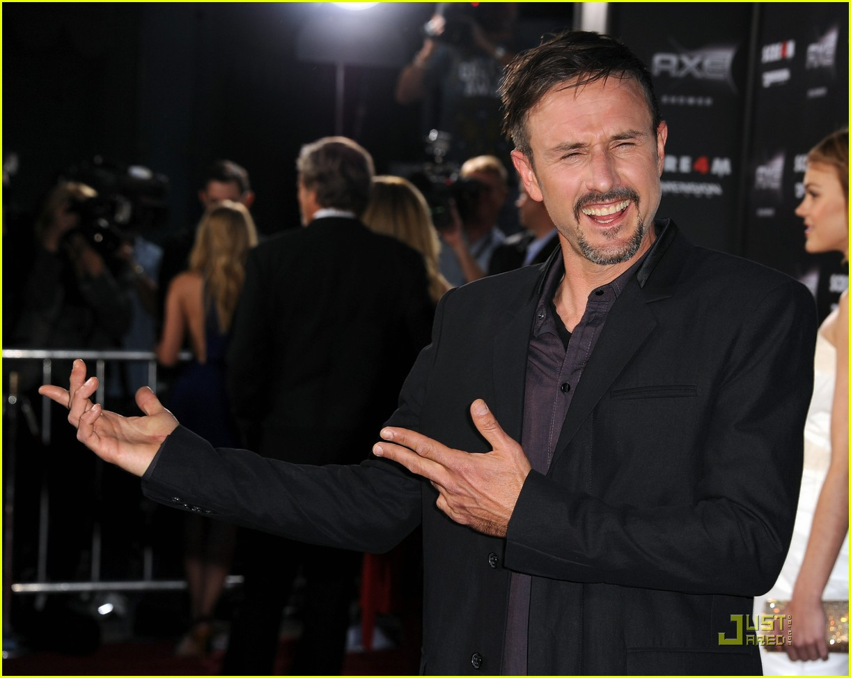 courteney cox david arquette neve campbell scream 4 premiere 14
