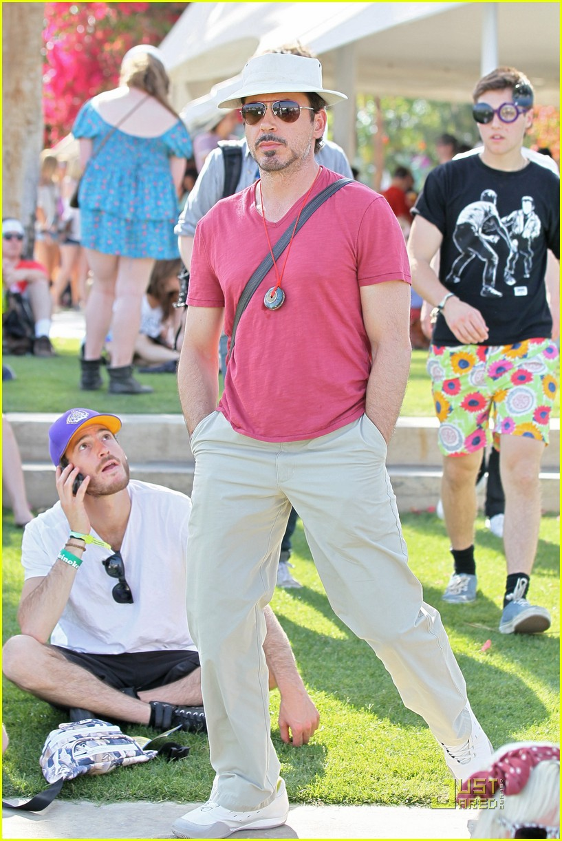 robert downey jr coachella concertgoer 03