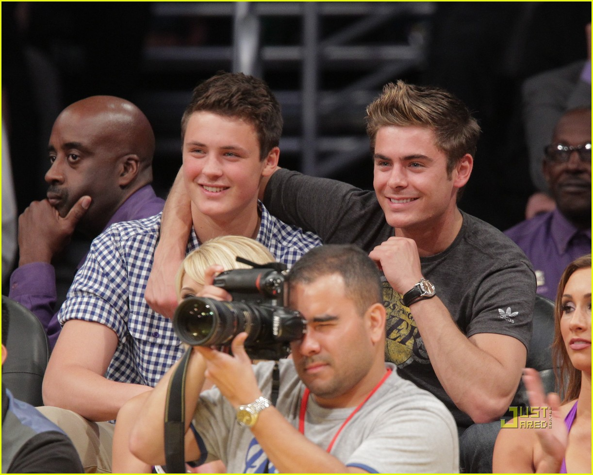zac efron dylan lakers game 042537118