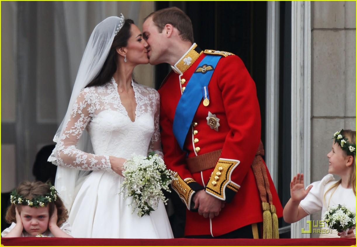 Kate Middleton Prince William Royal Wedding S First Kiss