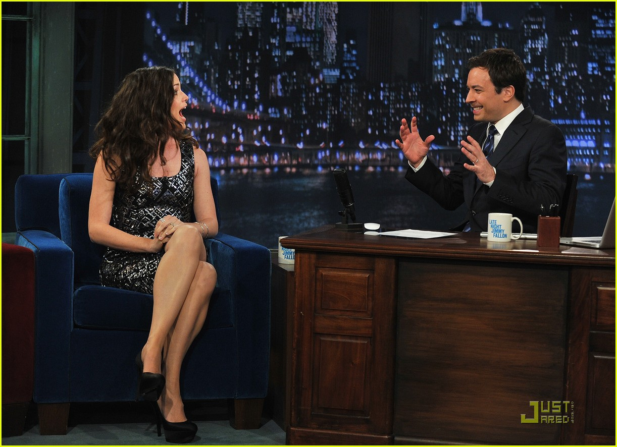 jennifer garner beer pong jimmy fallon 06