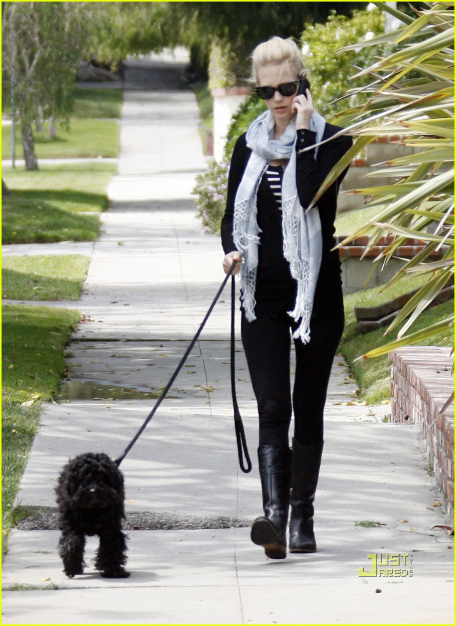 january jones dog walking phone 052537887