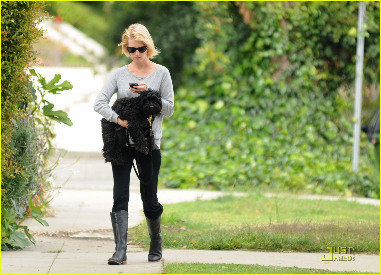 january jones likes to keeping things interesting 022533775