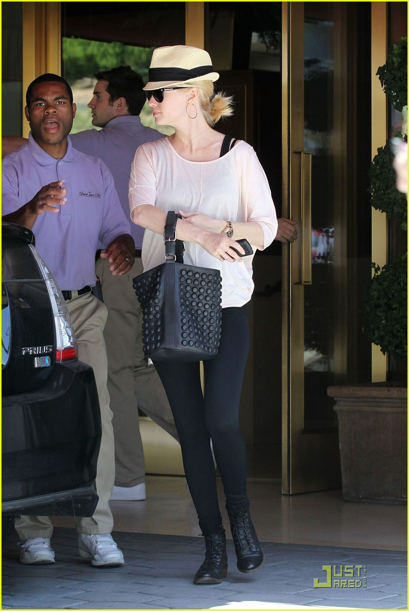 january jones lunch hotel 02