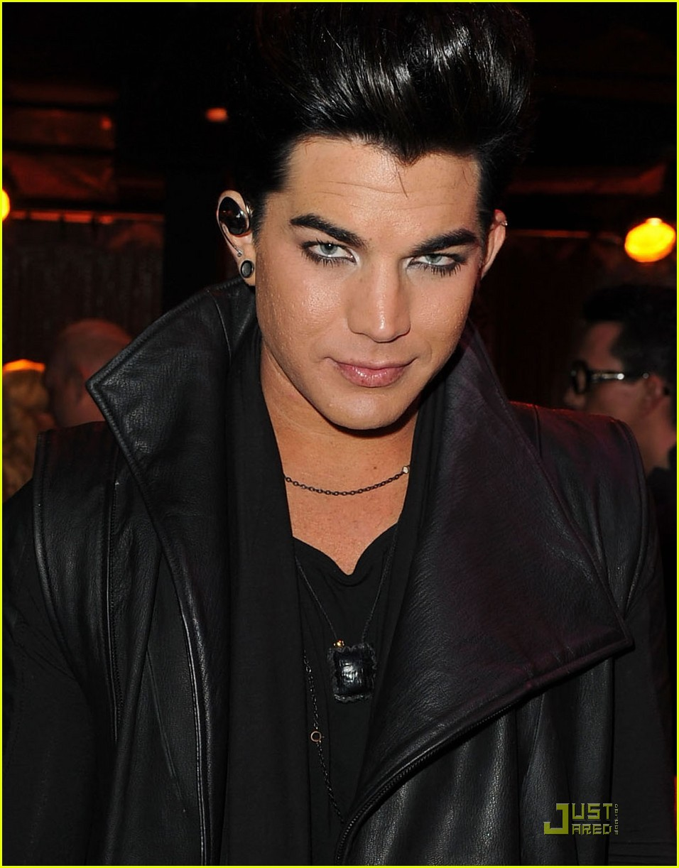 adam lambert logos newnownext awards 2011 032533746