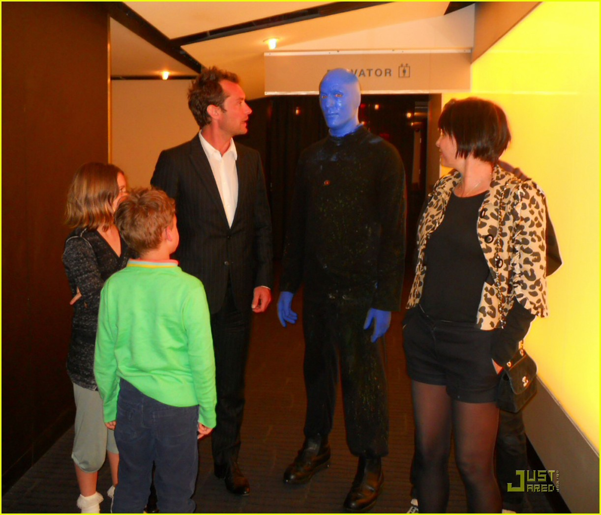jude law sadie frost kids blue man group 022536652