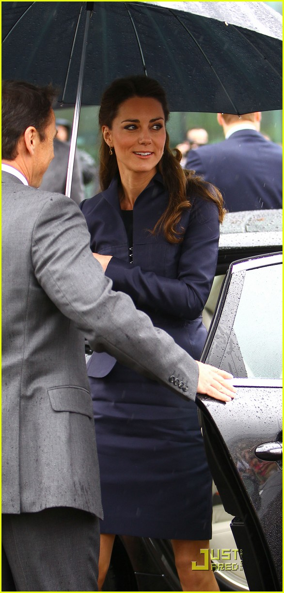 Prince william kate middleton open community academy 15
