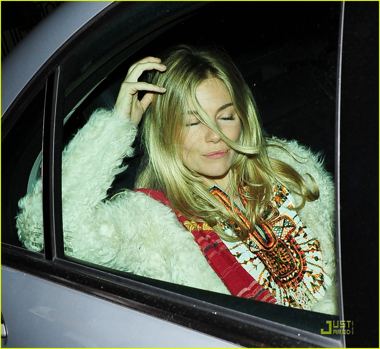 sienna miller still suing tabloid 112534882