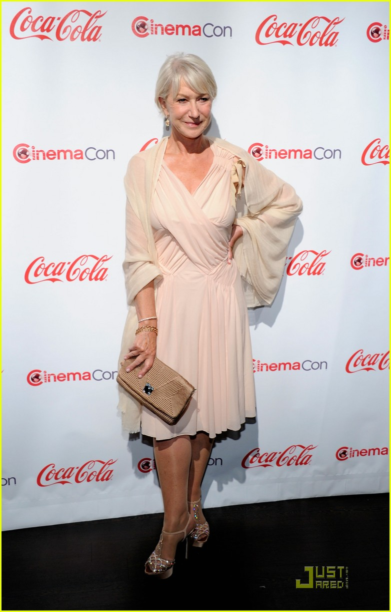 helen mirren russell brand cinemacon awards 2011 01